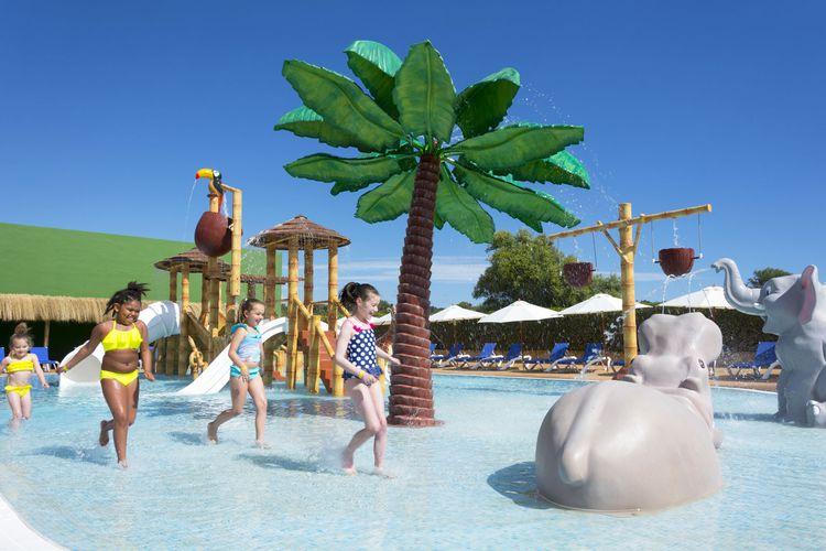 Hotel hsm canarios park mallorca calas de mallorca for Kapfer pool design mallorca