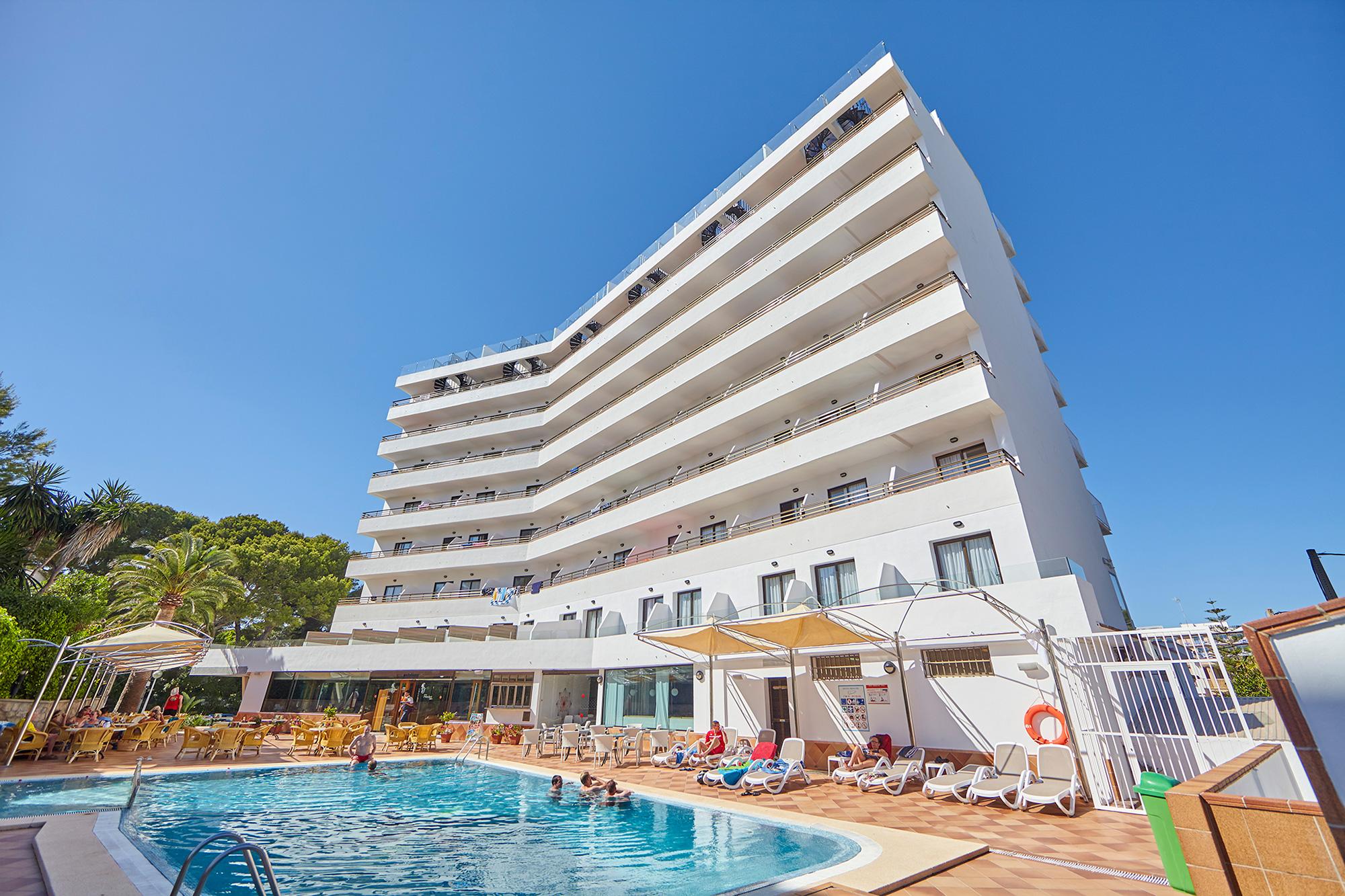 Hotel pincipe mallorca club blaues meer reisen for Kapfer pool design mallorca