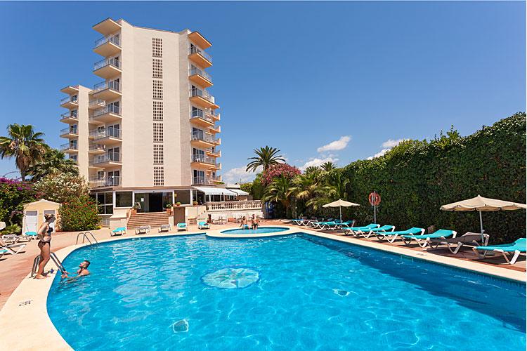 Vista odin hotel mallorca club blaues meer reisen for Kapfer pool design mallorca