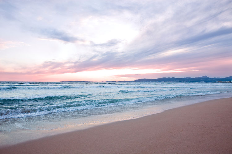 Hotel cosmopolitan playa de palma club blaues meer reisen for Designhotel am strand