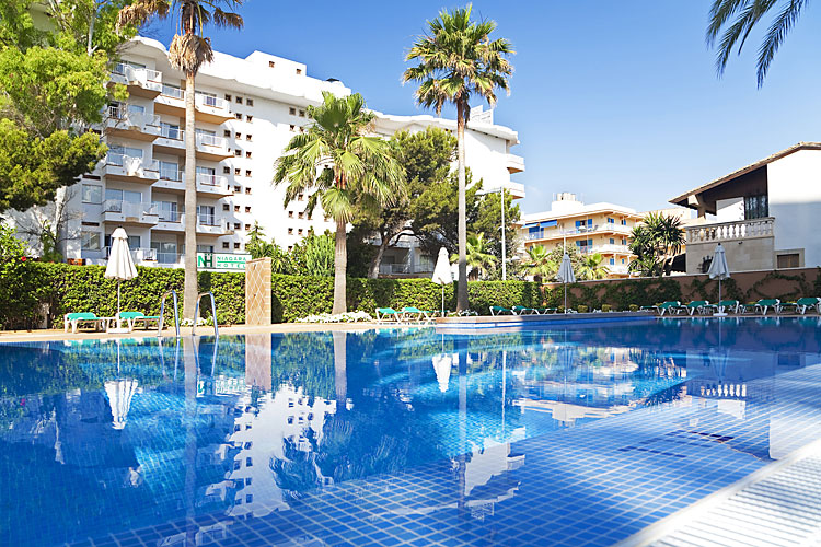 Hotel niagara mallorca club blaues meer reisen for Gunstige designhotels