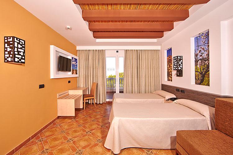 Hotel Palma Bay Club Resort - Club Blaues Meer Reisen