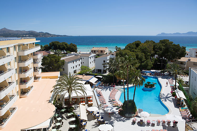Alcudia mallorca club blaues meer for Appart hotel ivry