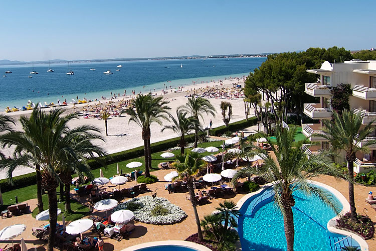Hotel vanity golf mallorca club blaues meer reisen for Designhotel am strand